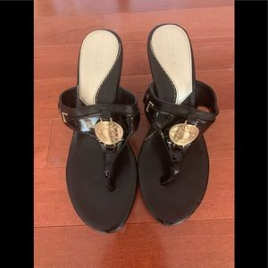 Guess black and gold wedge sandal